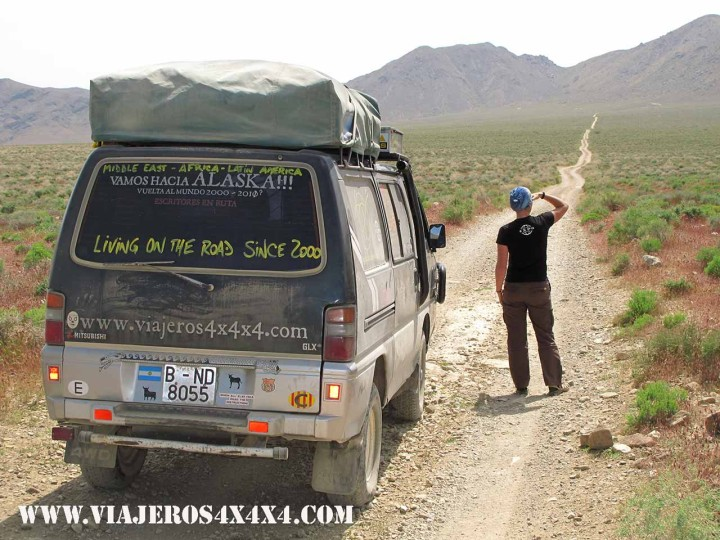 Around the World in 10 Years, the lifelong overland adventure that has takes Pablo Rey and Anna Callau to live in the road for more than 15 years. Death Valley, California